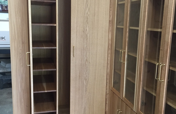 oak wood cabinets .jpeg