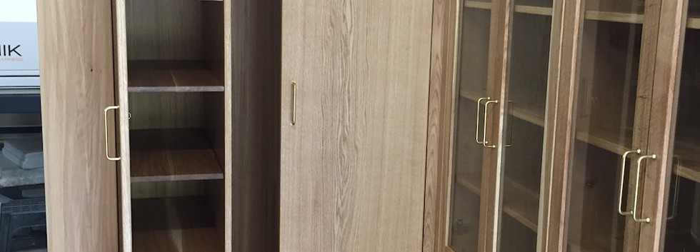 oak wood cabinets .jpeg