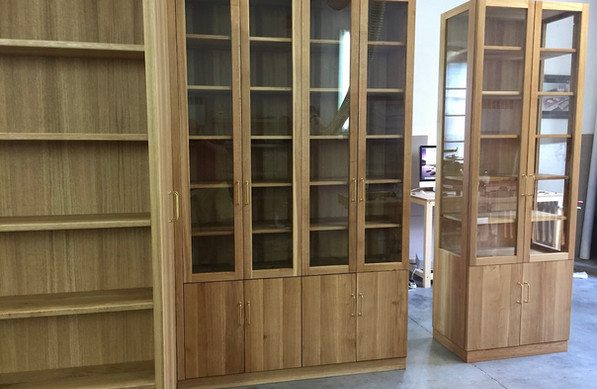 oak wood cabinets.jpeg