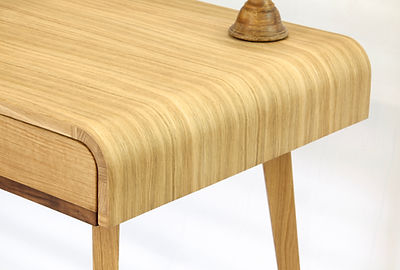 Zendu desk  .jpeg