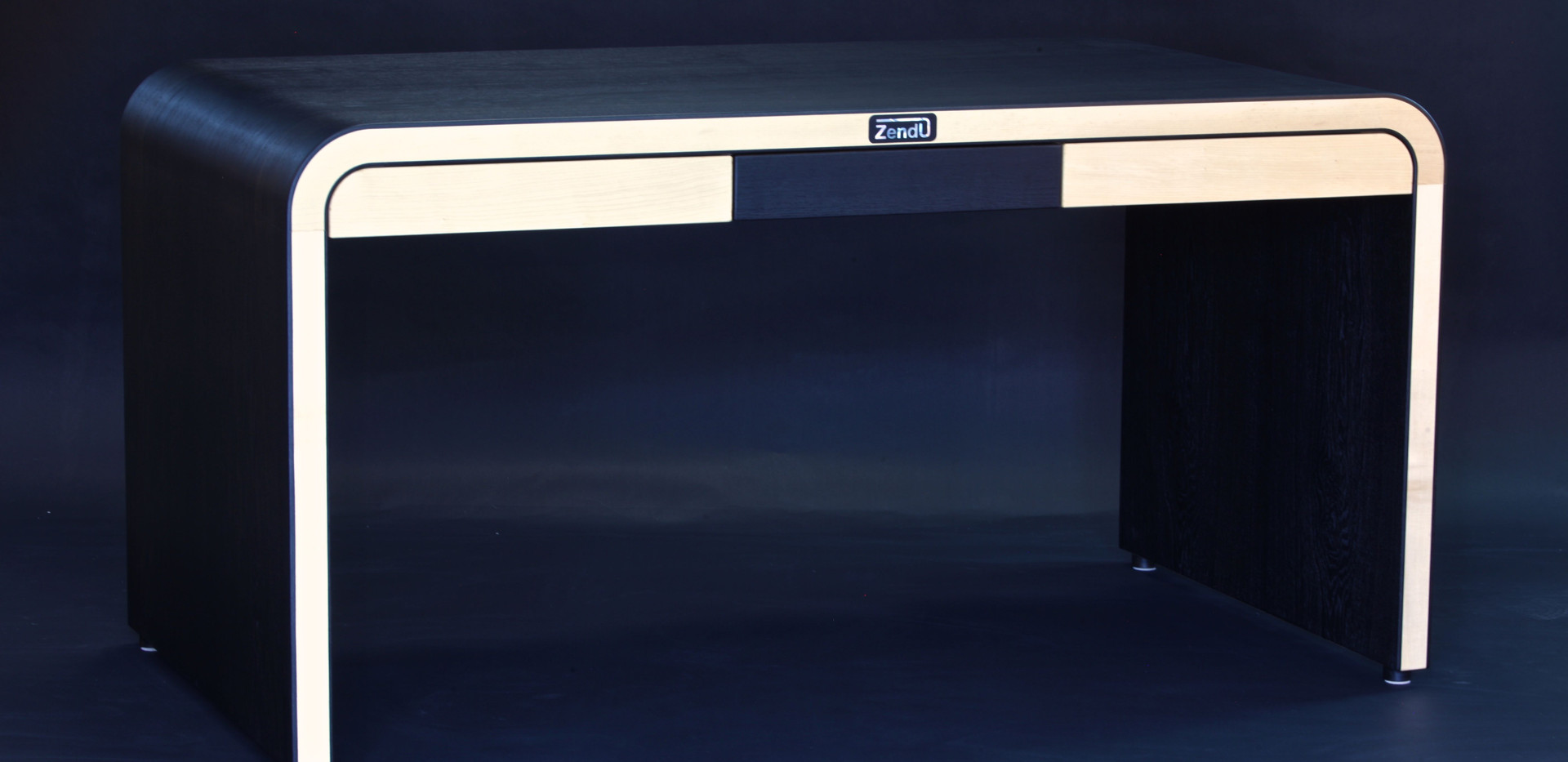 Zendu-desk-bog-oak.jpg
