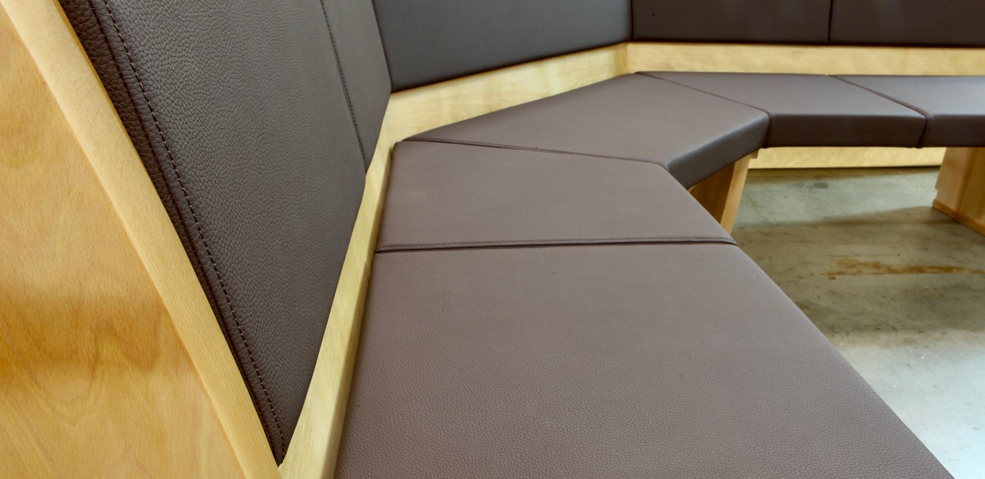 corner sofa in leather.jpeg