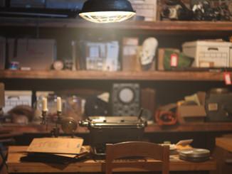Collector's underground lair set