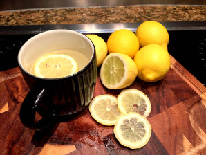 Staying healthy: Why you should drink warm water and Lemon every morning!