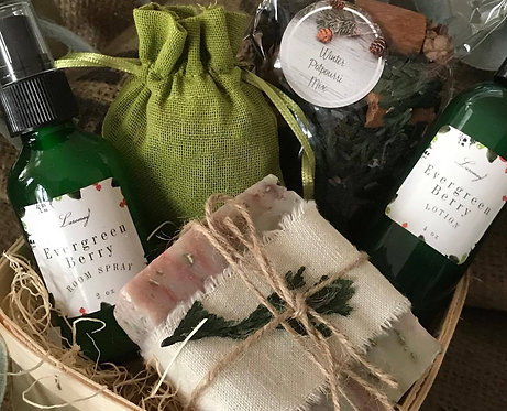 Evergreen Berry Gift package