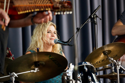 christine-dueholm-trommeslager-signfind-
