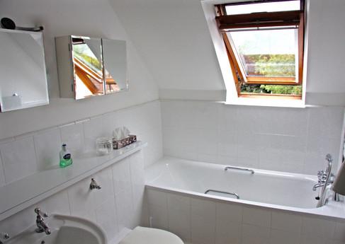 Aleberry Bathroom