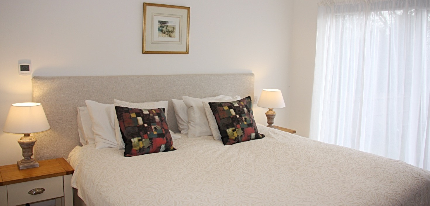 Copy of Super King-size bed_Fotor_edited