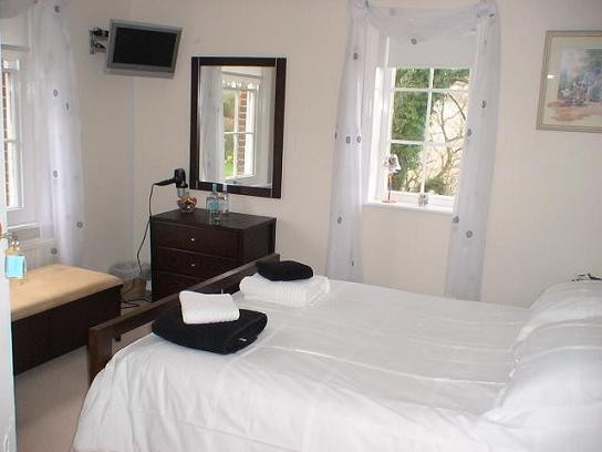 Firle room - double with walk-in shower