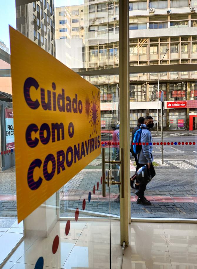 Medidas de prevenção mudam a rotina da capital paranaense