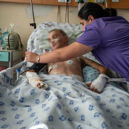 Ադրբեջանի ագրեսիվ գործողությունների հետևանքով` անօդաչու թռչող սարքի հարվածից տուժած 14-ամյա Նարեկի..