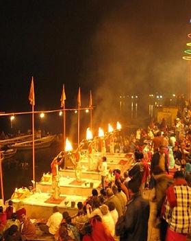 Varanasi Puja at Ghat 11.jpg