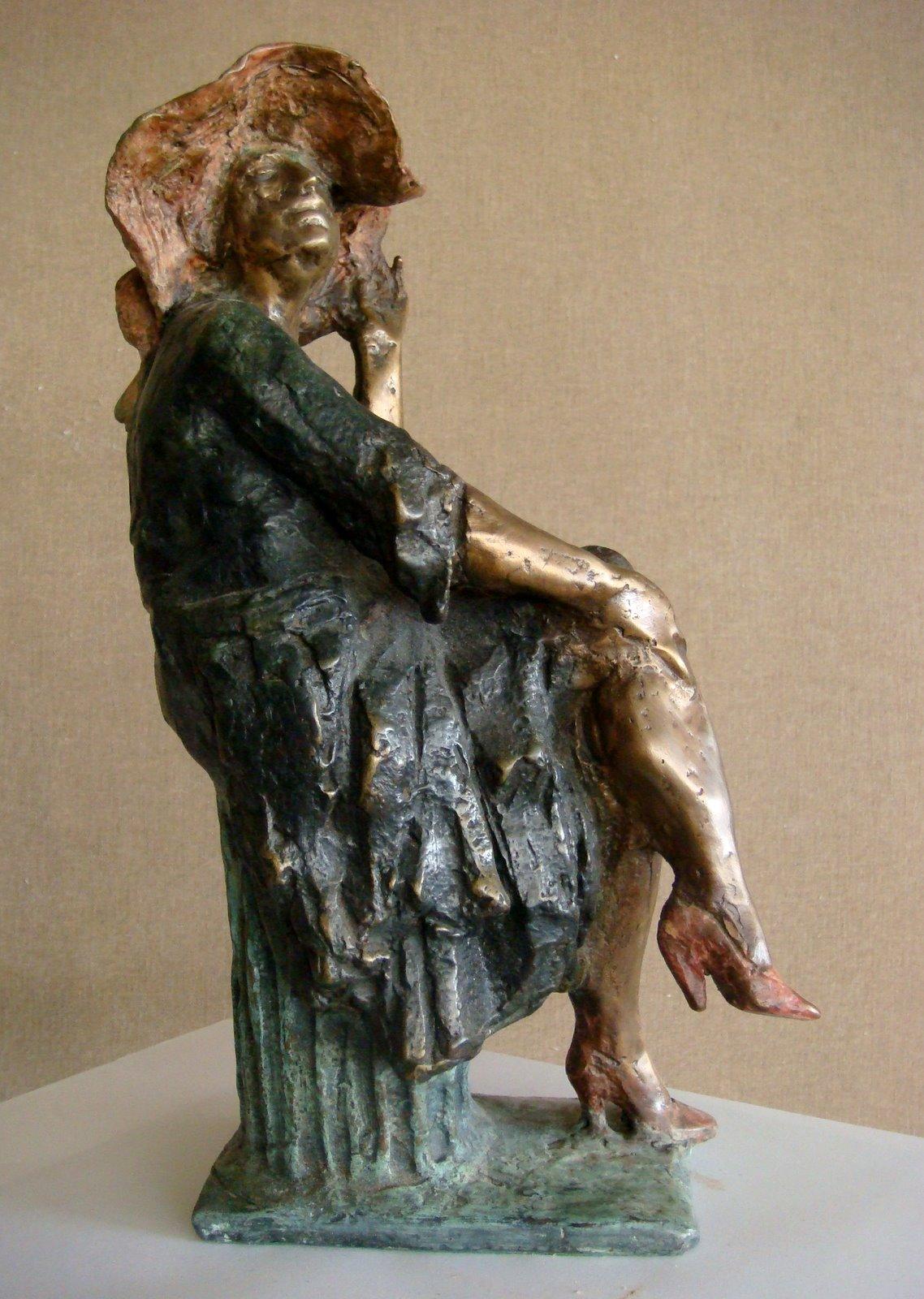 Yuri Matskin Sculptures Sitting Women (2)