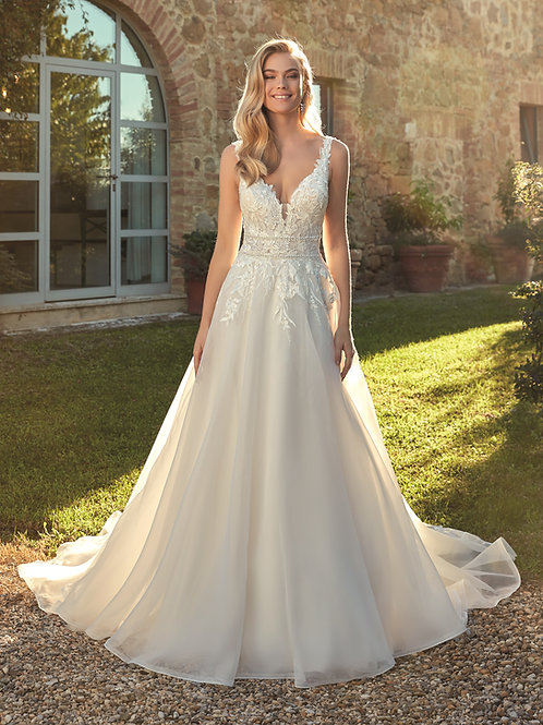 Ivory/Champagne/Sand A-Line Bridal Gown Size 16