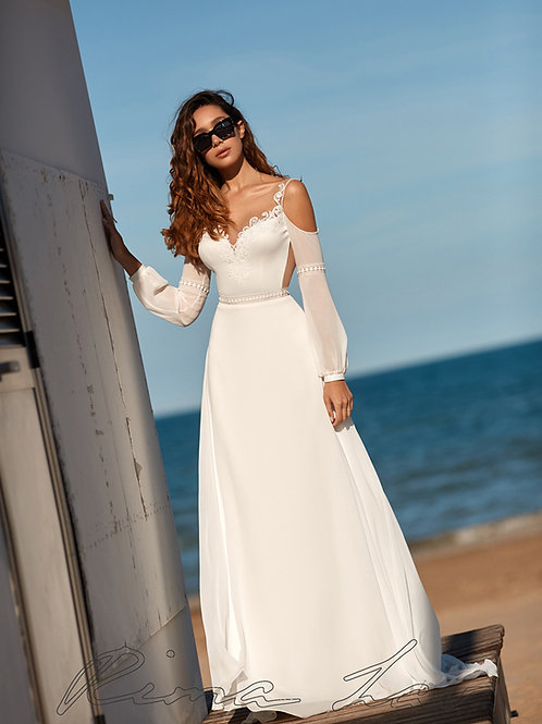 Ivory A-Line Bridal Gown With Open Shoulder Size 6