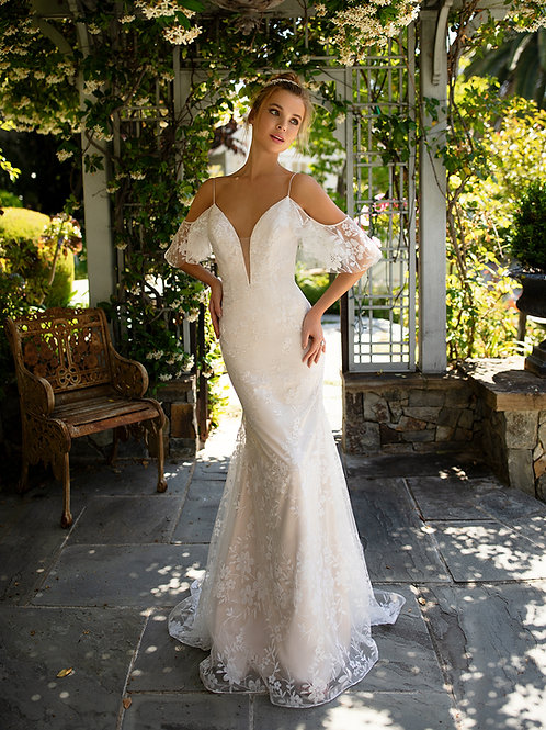 Floral Sparkle Tulle Bridal Gown Size 4