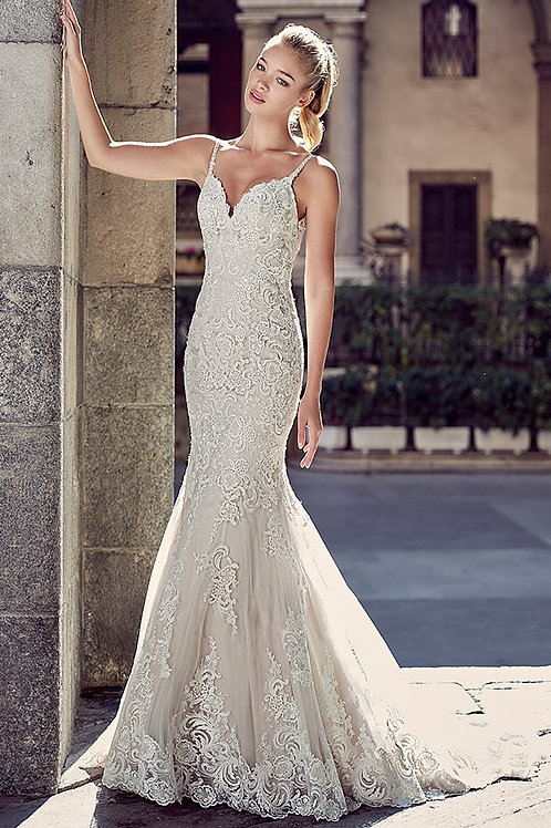 Champagne Lace Fit & Flare Bridal Gown Size 8