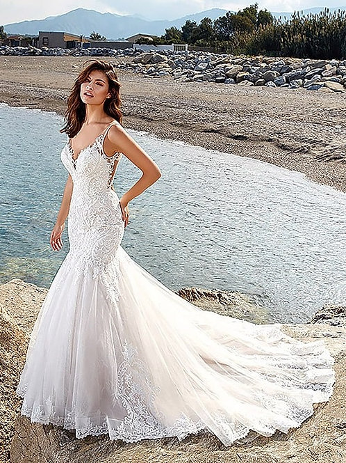Ivory Fit & Flare Bridal Gown Size 10