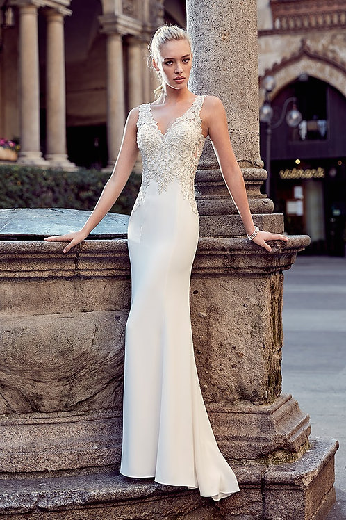 Ivory Crepe Sheath Bridal Gown Size 6