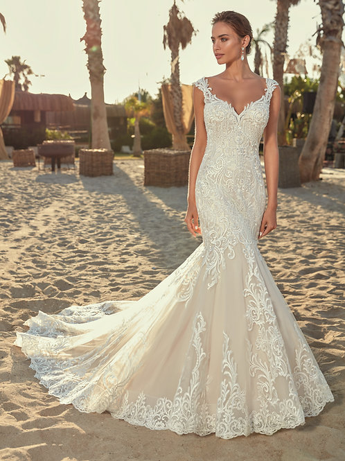 Ivory Lace Mermaid Bridal Gown Size 6
