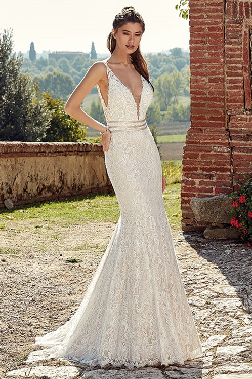 Ivory Lace Fit & Flare Bridal Gown Size 8
