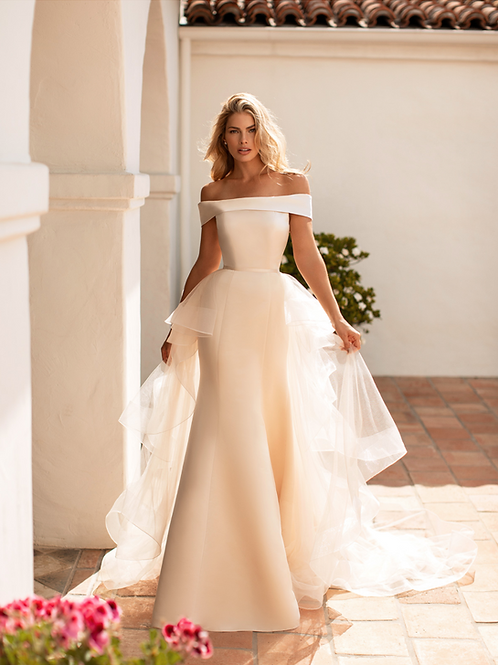 Gold Satin Fit & Flare Bridal Gown With Detachable Train Size 8