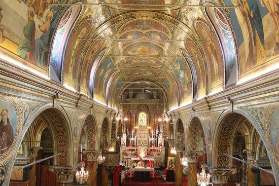 saint-polycarp-kilisesi