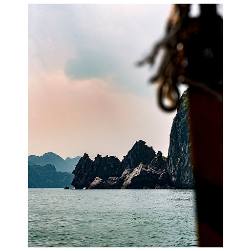 Vietnam Slow Living Travel Sunset Cars Sponsor Sponsorship New York Boat Temple Train Dream Agency Agence Agent Still Life Portrait Photograph Photography Photographer Photographe Paris Jewelery Beauty Lifestyle Style Fashion Art Print Magazine Model Halong Bay
