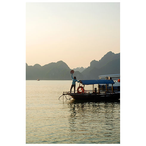 Vietnam Travel Sunset Cars Sponsor Sponsorship New York Boat Temple Train Dream Agency Agence Agent Still Life Portrait Photograph Photography Photographer Photographe Paris Jewelery Beauty Lifestyle Style Fashion Art Print Magazine Model Halong Bay