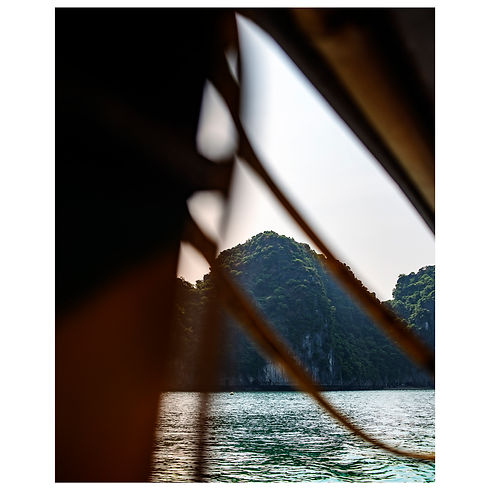 Vietnam Travel Cars Sponsor Sponsorship New York Boat Temple Train Dream Agency Agence Agent Still Life Portrait Photograph Photography Photographer Photographe Paris Jewelery Beauty Lifestyle Style Fashion Art Print Magazine Model Halong Bay