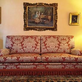 Poltrone e divani su misura