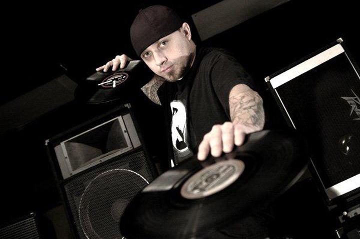 04 DJ Able One03.jpg