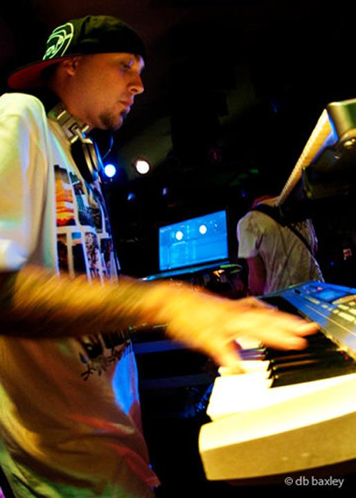 15 DJ Able One02.jpg