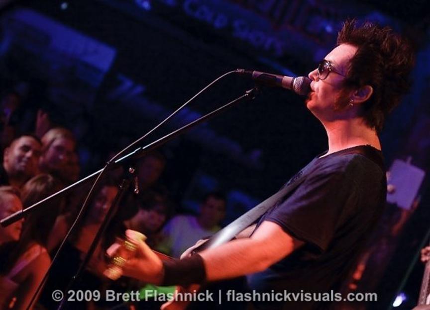 22 Live 2009.jpg