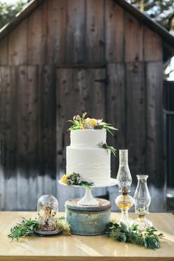 Cannabis decorated cake.