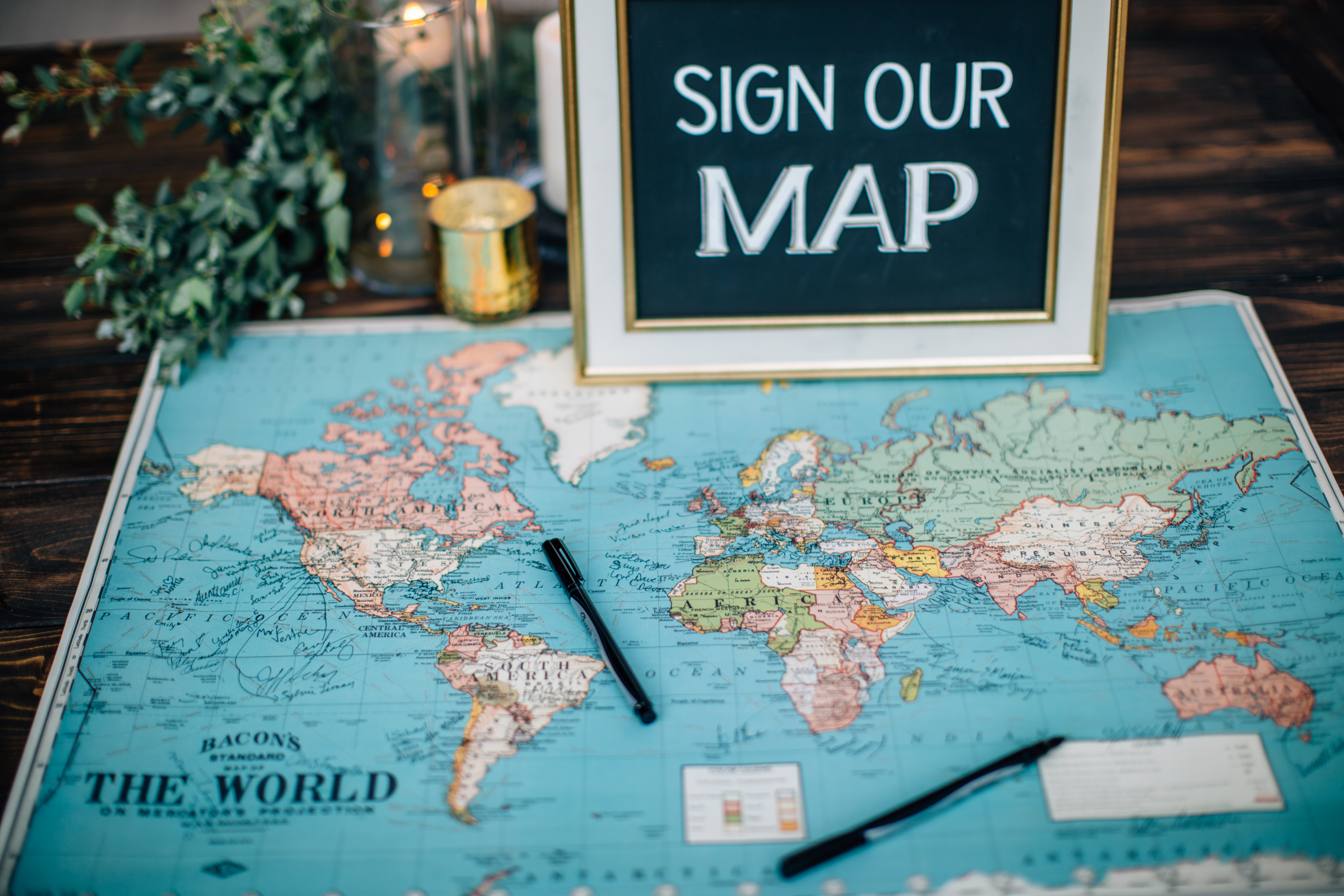 Map guest book.