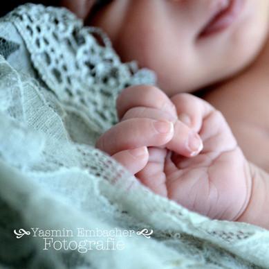 Babyhand - Yasmin Embacher Fotografie