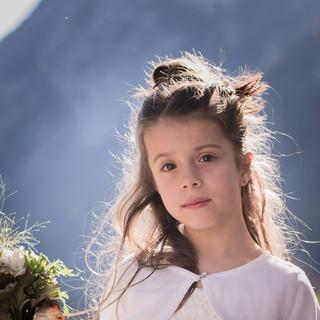 Süßes Blumenmädchen