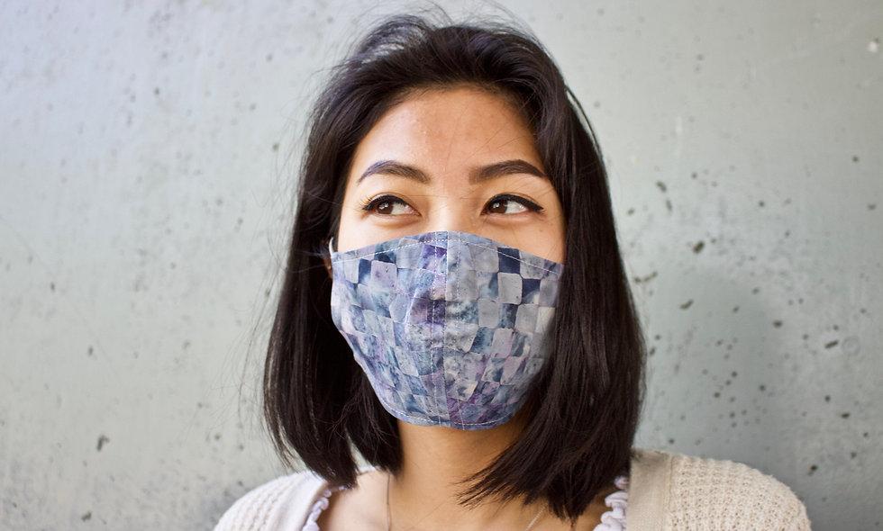 Karo Batik Grau Lila Maske- hannisch