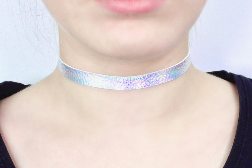 Verstellbarer Holo Silber Kunstleder Optik Rau Choker - TinyLittlePiecesShop