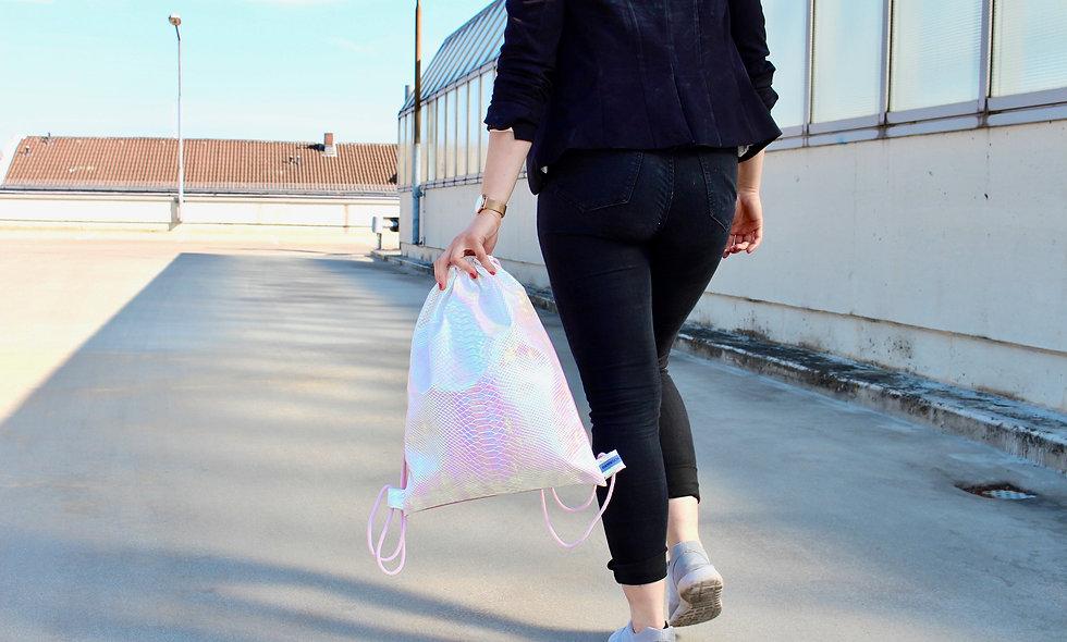 Holographic Kroko Hell Rosa Gym Bag - hannisch