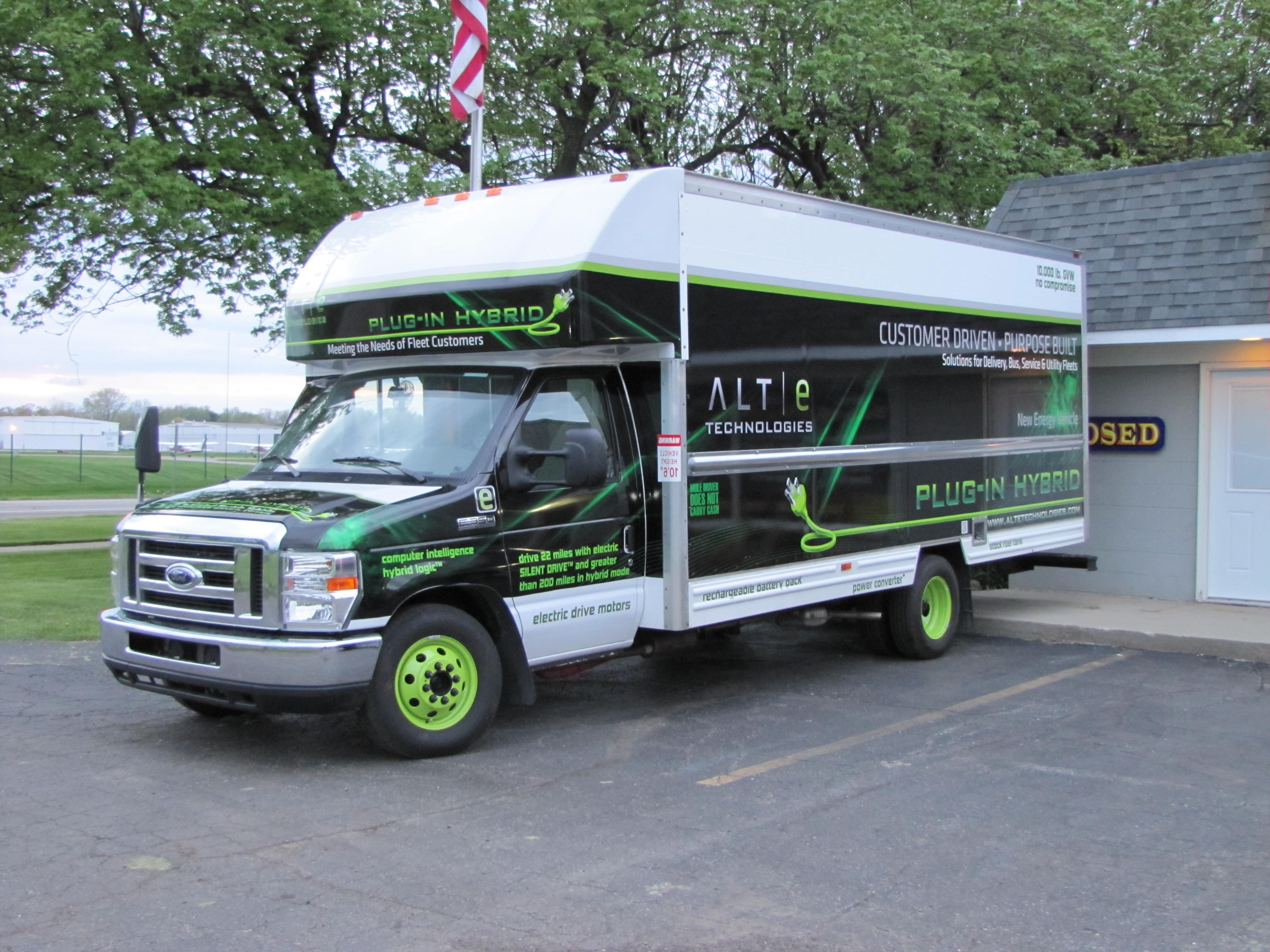 Box truck cube van wrap