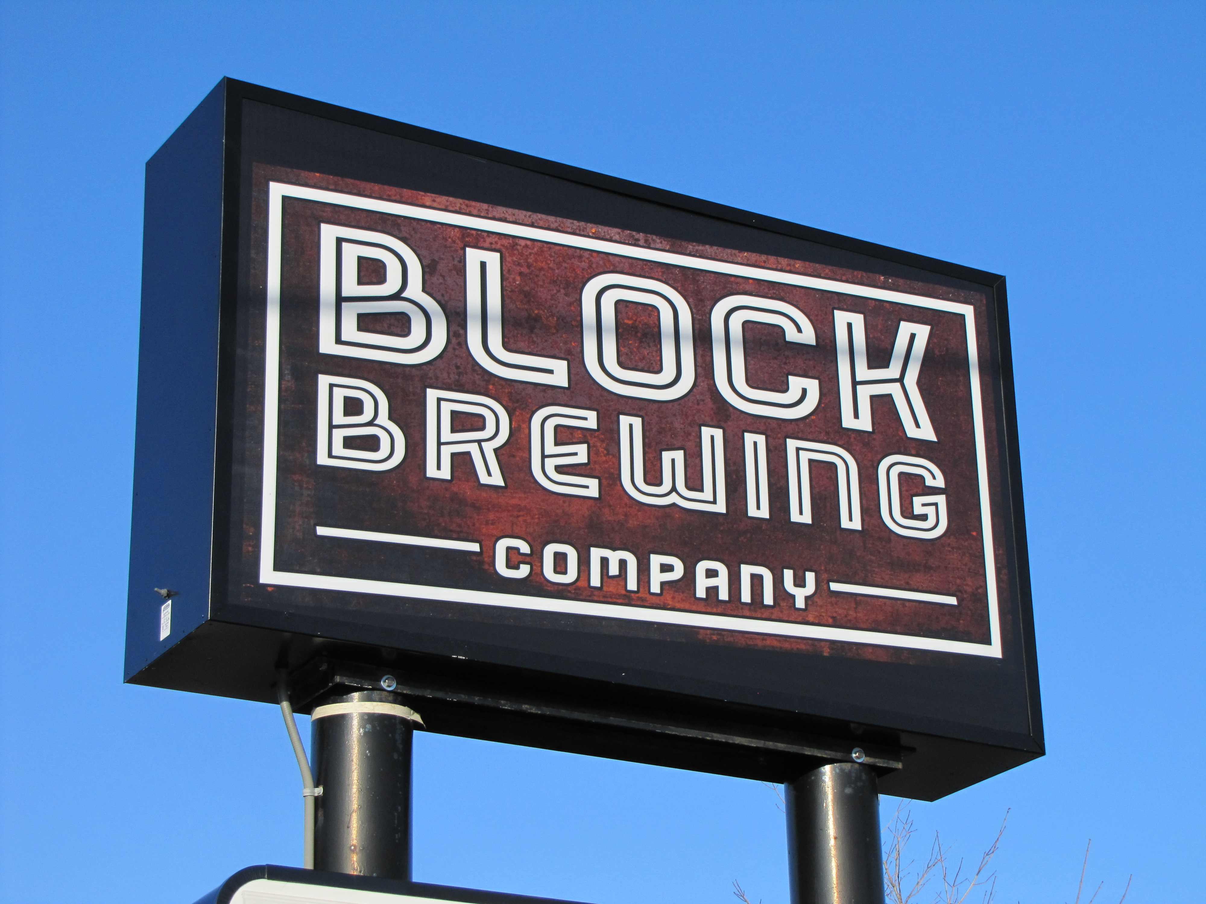 Block Brewing Sign Cabinet