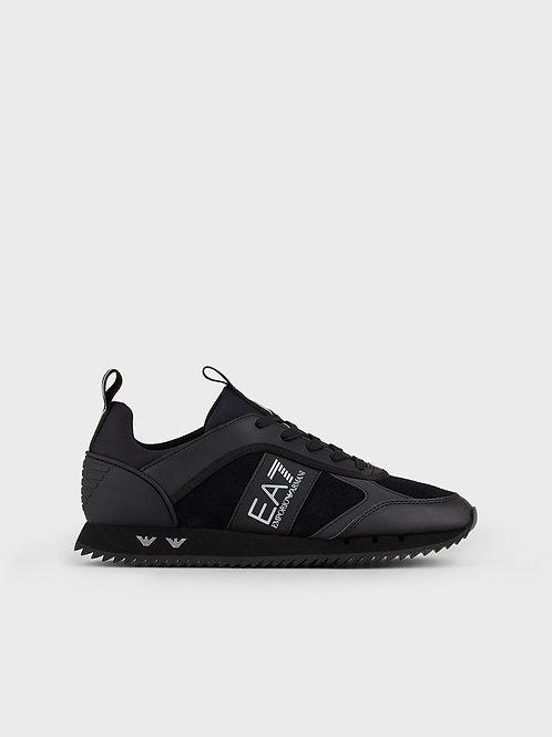 Sneaker Black&White Laces in mesh con loghi metallici nella suola