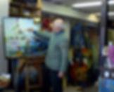 Raphy en train de pendre dans son atelier. Raphy painting