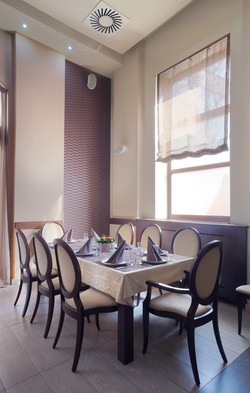 photodune-2589742-table-and-chairs-in-a-restaurant-m