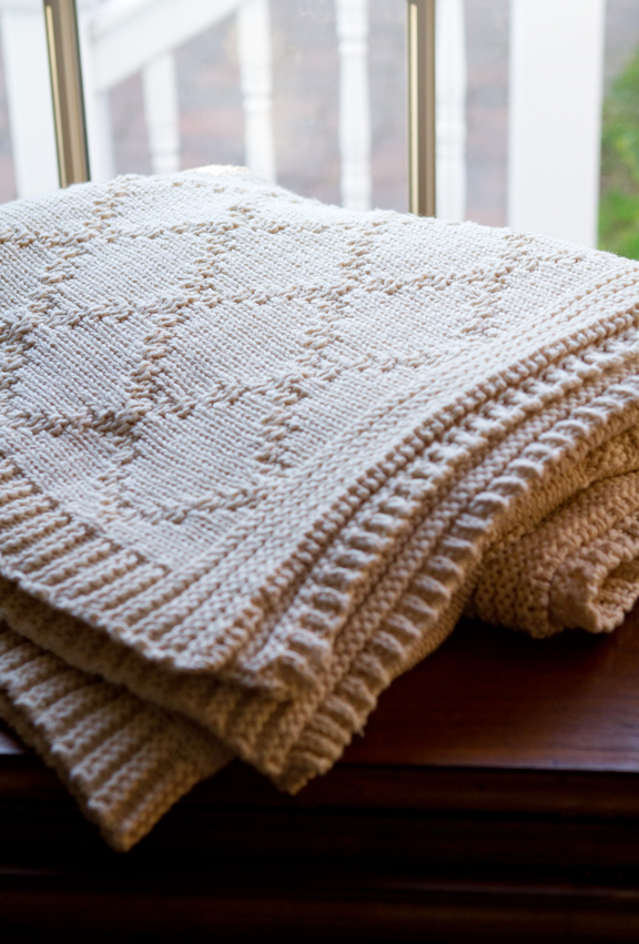 Diamond Links Cotton Throw Blanket
