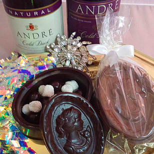 Mother's Day Cameo Box with Champagne