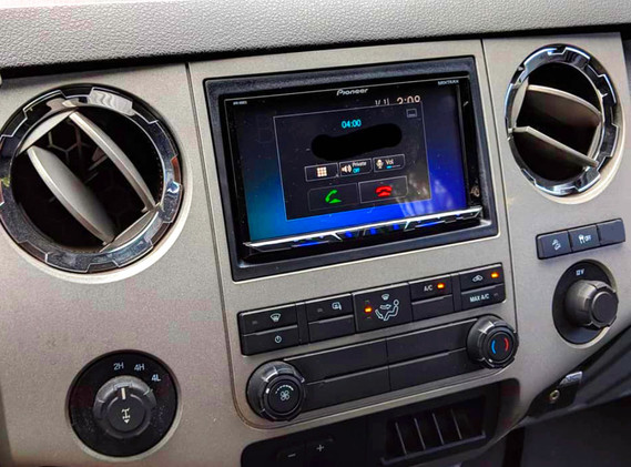 Stretch-Audio---2014-Ford-F-250-stereo,-