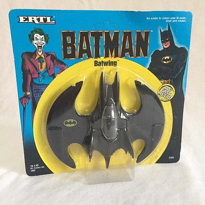 Batman Batwing Die Cast • UNPUNCHED CARD! • MISP • 1989 ERTL